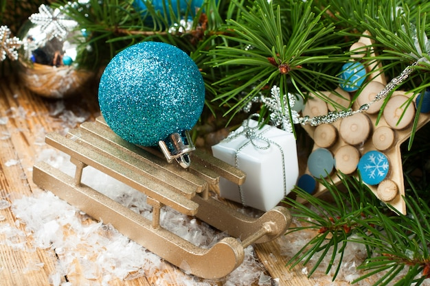 Composizione natalizia con slitta