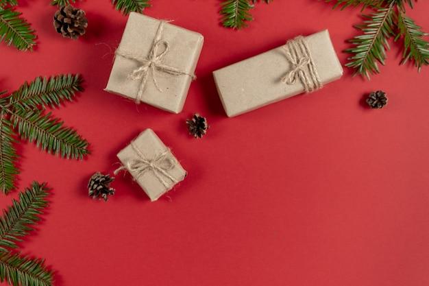 Composizione natalizia o invernale.