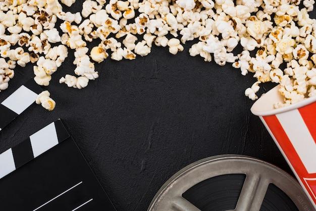 Composizione piatta degli oggetti del cinema