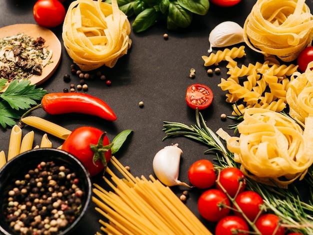 Composizione piatta della pasta