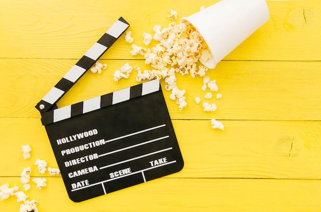 Composizione piatta laici di elementi del cinema