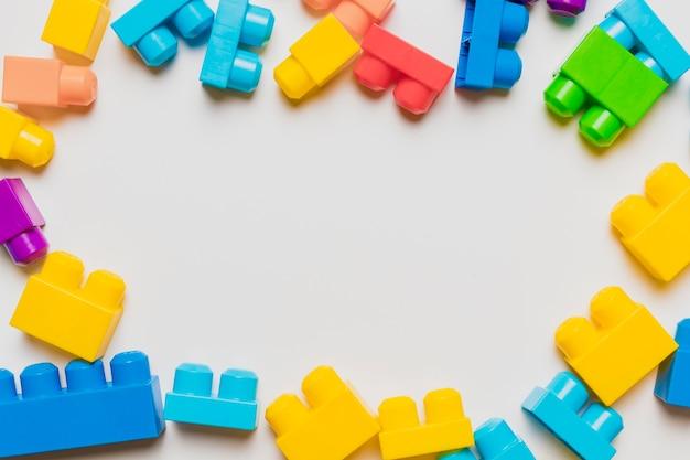 Composizione piatta laici di giocattoli con copyspace