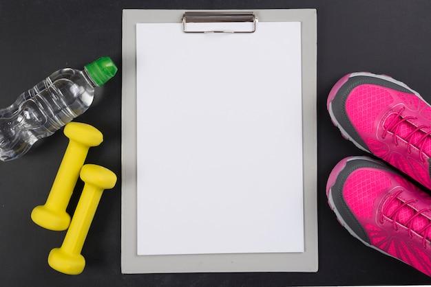 Composizione sportiva moderna con appunti