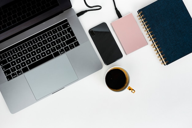 Computer portatile con hard disk e notebook