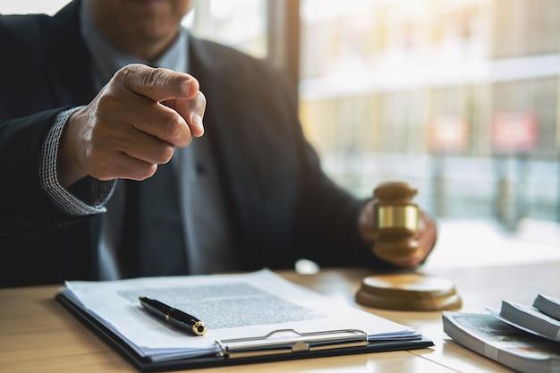 Concetti di legge e servizi legali