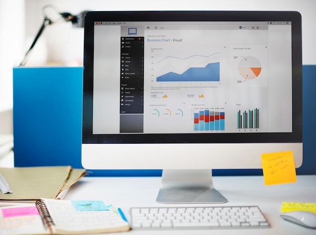 Concetto del computer di vendita di strategia di successo di crescita del grafico
