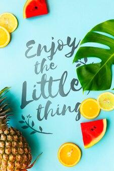 Concetto dell'anguria delle arance di ananas di estate