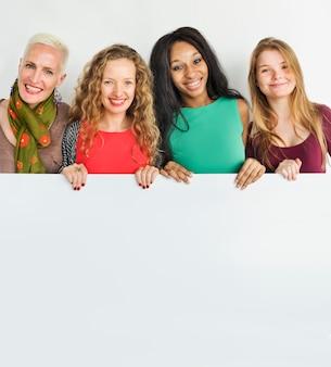 Concetto dell'insegna dello spazio della copia di unità di amicizia delle ragazze