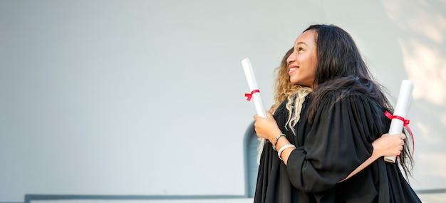 Concetto dell'istituto universitario del certificato di successo di celebrazione di graduazione