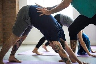 Concetto della classe di esercizio di pratica di yoga