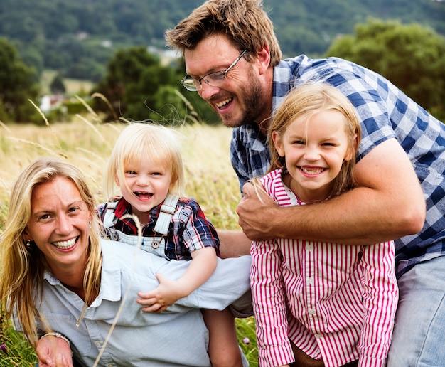 Concetto della natura del campo di unità di parenting delle generazioni della famiglia