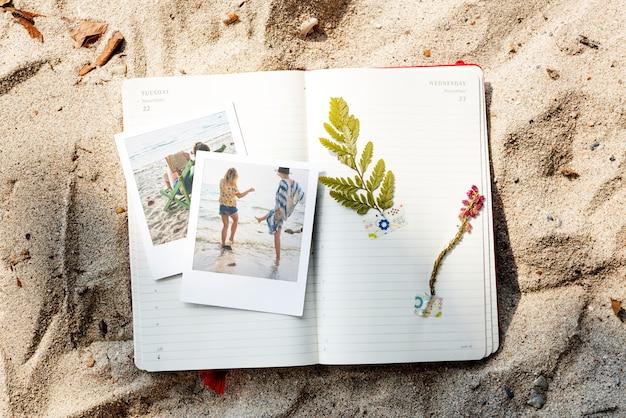 Concetto delle immagini di memorie del diario di viaggio