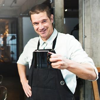 Concetto di affari della bevanda del grembiule del caffè di steam barista di caffè