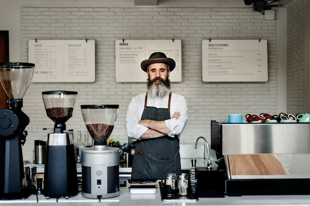 Concetto di apparecchio di vapore professionale uniforme caffè caffè
