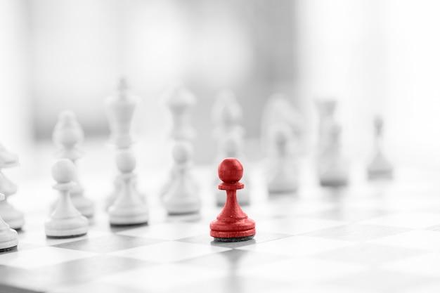 Concetto di business degli scacchi, leader e successo
