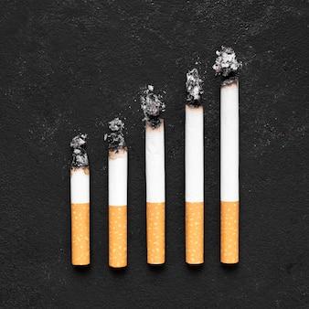Concetto di cattiva abitudine con le sigarette