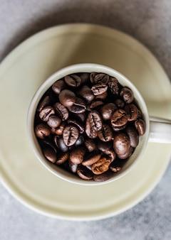 Concetto di chicchi di caffè