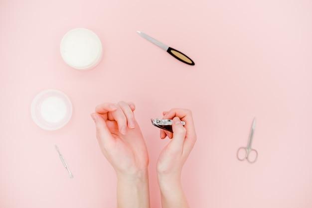 Concetto di cura della pelle. sfondo astratto rosa chiaro.