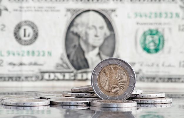 Concetto di euro e dollaro