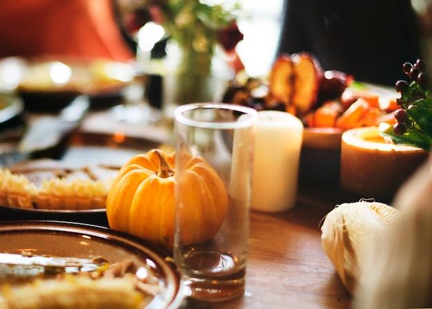 Concetto di festa di ringraziamento di celebrazione del dessert della torta di zucca