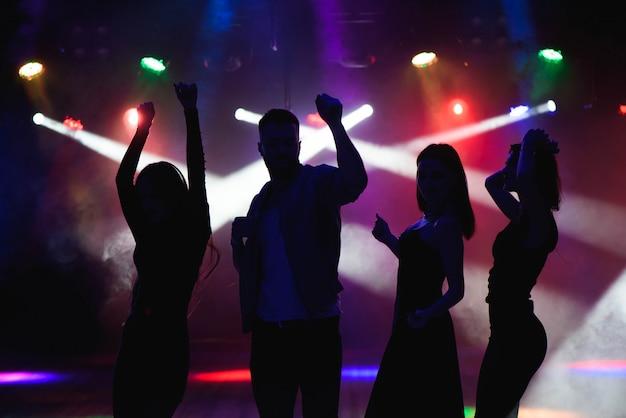 Concetto di festa, festività, celebrazione, vita notturna e persone