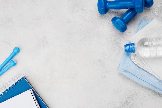 Concetto di fitness con attrezzatura