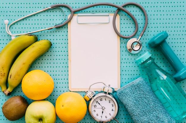 Concetto di fitness con stetoscopio