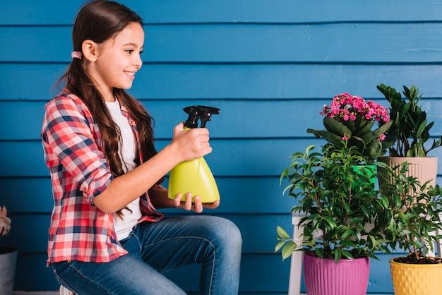 Concetto di giardinaggio con la ragazza