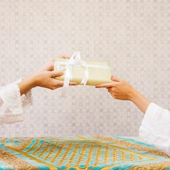 Concetto di gifting per il ramadan