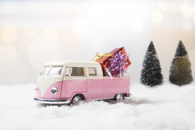 Concetto di inverno natale. regalo, anno nuovo, concetto di compleanno.
