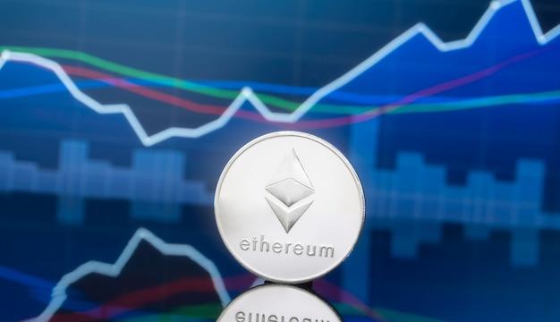 Concetto di investimento di etereum e criptovaluta.
