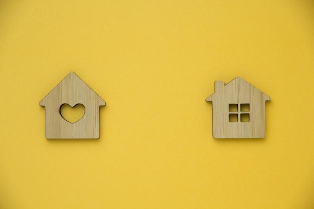Concetto di investimento immobiliare. casa in miniatura