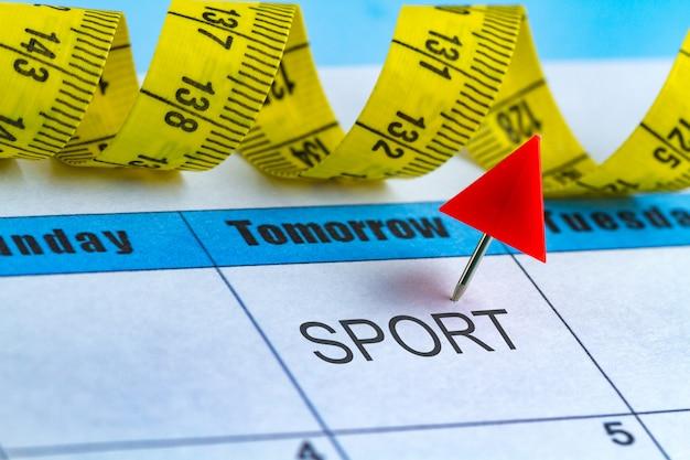 Concetto di motivazione. pianificare una dieta, sport, lavorare su te stesso per il tuo sviluppo, salute e successo da domani.
