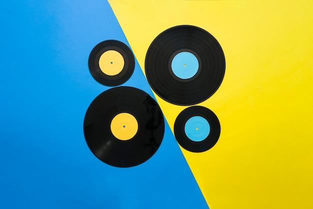 Concetto di musica vintage vintage giallo e blu