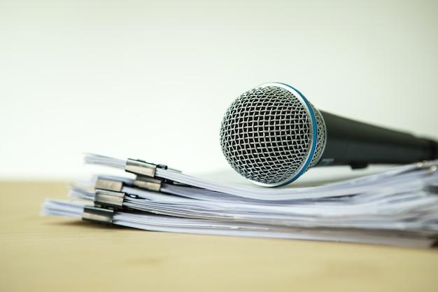 Concetto di oratore o preparazione degli insegnanti per parlare in aula di seminario