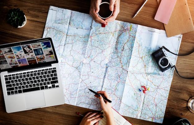 Concetto di pianificazione di esplorazione di direzione della mappa di viaggio di viaggio