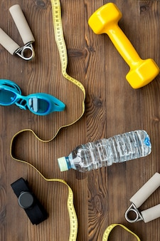 Concetto di preparazione per attrezzature sportive fitness