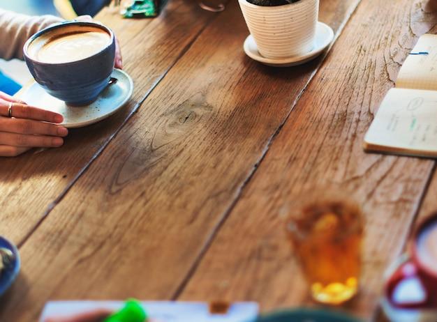 Concetto di rilassamento della tazza della bevanda della bevanda della caffe del caffè