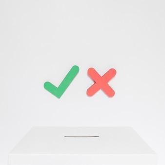 Concetto di scelta elettorale con spazio di copia