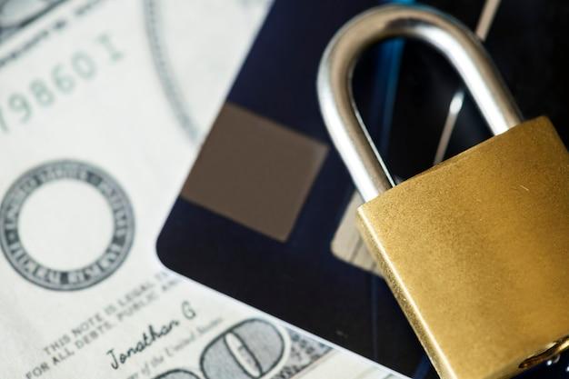 Concetto di sicurezza della carta di credito