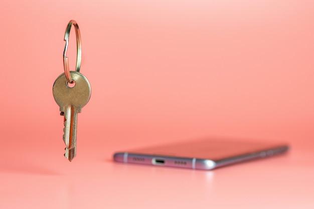 Concetto di sicurezza smart phone, protezione del trasferimento di rete dati mobile