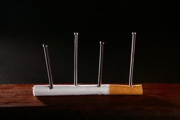 Concetto di sigaretta di nicotina tabacco dipendenza
