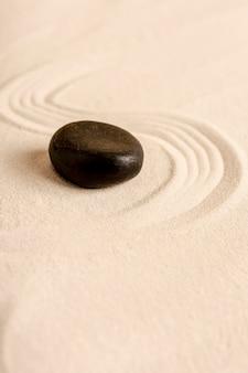 Concetto di spa angolo alto con sabbia e pietra
