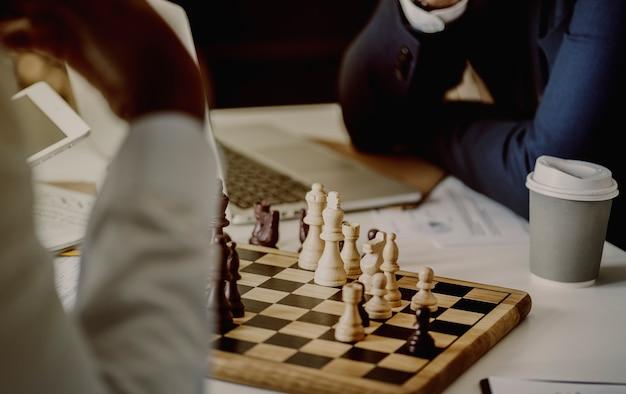 Concetto di strategia aziendale di gioco degli scacchi