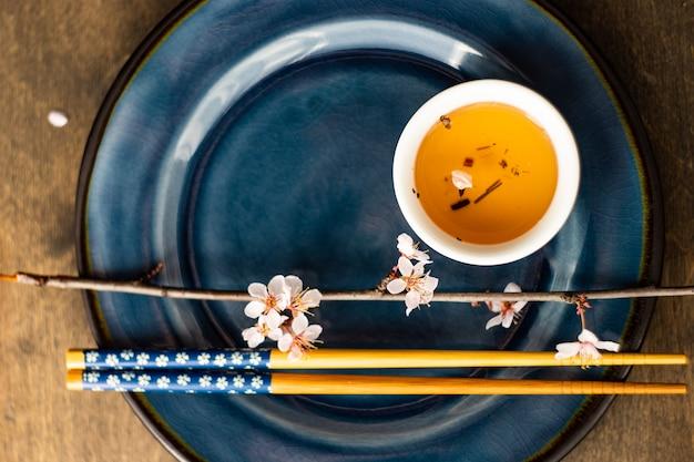 Concetto di tè verde in stile asiatico