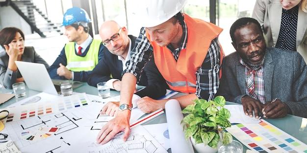 Concetto di team collaboration brainstorming blueprint di architettura