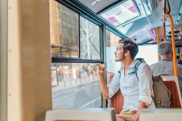 Concetto di trasporto pubblico urbano
