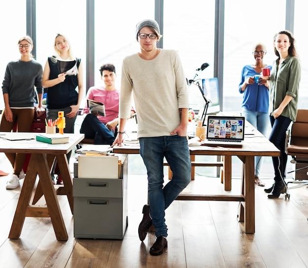 Concetto di ufficio moderno