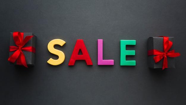 Concetto di vendita con regali