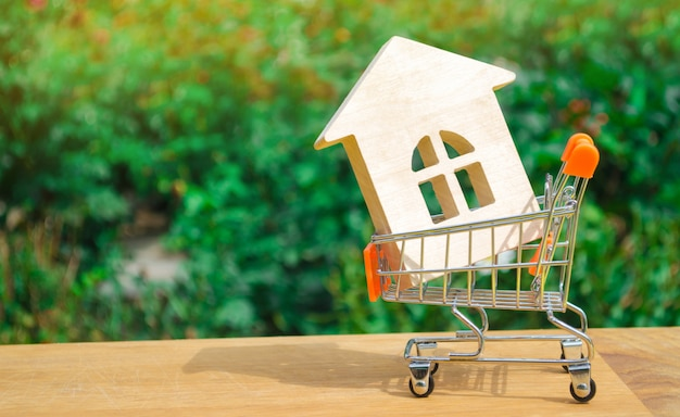 Concetto finanziario di investimento immobiliare e mutuo casa. comprare, affittare e vendere appartamenti.